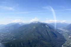 Volando verso il monte Ozolo, val di Non