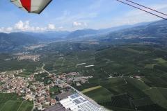 Volando sopra Cunevo e vista val di Non