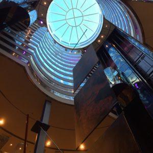 Costa Victoria Central Hall von unten