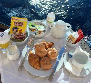 Colazione in cabina su Costa Victoria