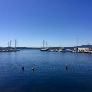 Hafenausfahrt in Fornells