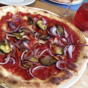 Pizza auf der Costa Victoria