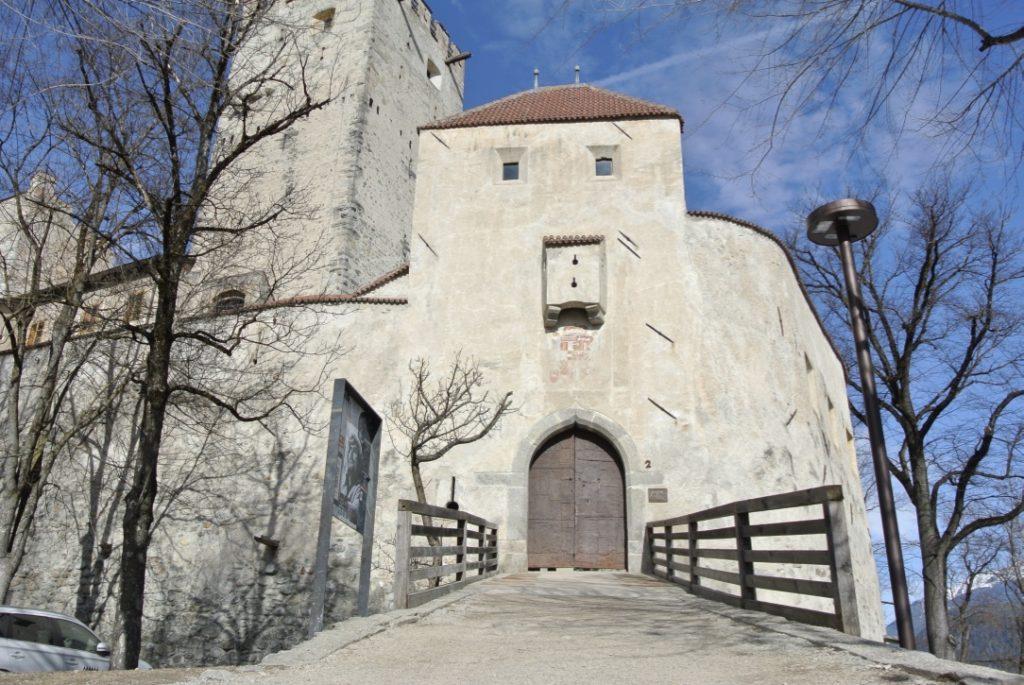 MMM Ripa, Schloss Bruneck