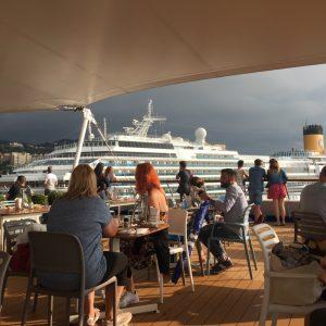 Kreuzfahrt im Mittelmeer geht zu Ende: Ankunft Costa Fantasia in Savona