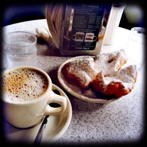 New Orleans erkunden - jetzt erst recht! Mit Beigneits und Café au Lait zum Frühstück.