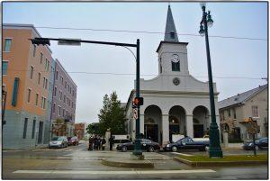 New Orleans erkunden, vor der Lady of Guadalupe Kirche