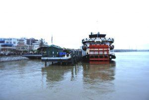 Der Schaufelraddampfer auf dem Mississippi In New Orleans