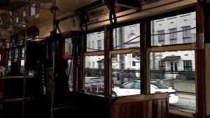 In der Strassenbahn in New Orleans, ich schaue aus dem Fenster