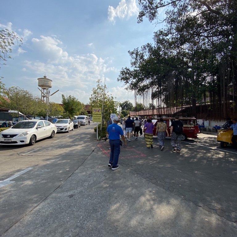 Ayutthaya in einem Tag, Tour Bangkok, Kreuzfahrt Thailand, Parkplatz