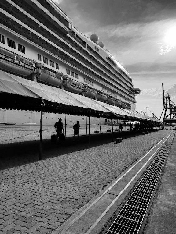 Costa Fortuna im Hafen von Laem Chabang, Kreuzfahrt, Thailand