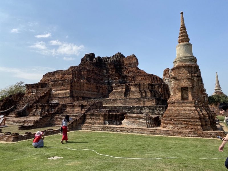 Ayutthaya in einem Tag, Beste Sehenswürdigkeiten, Besuch Wat Mahathat, Chedi im Tempel