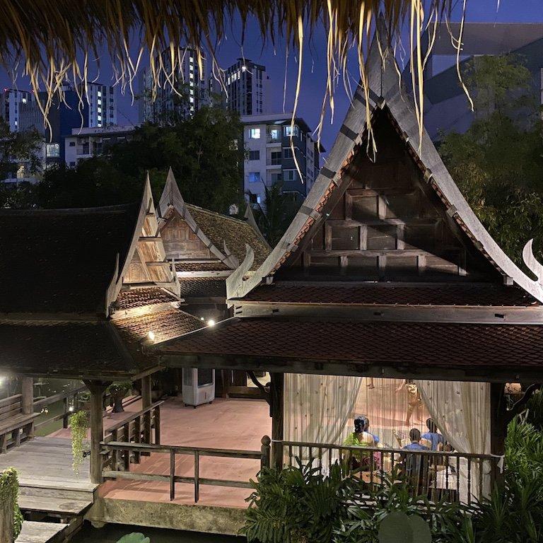 Highlights von Bangkok, Niam Siramit Künstlerdorf