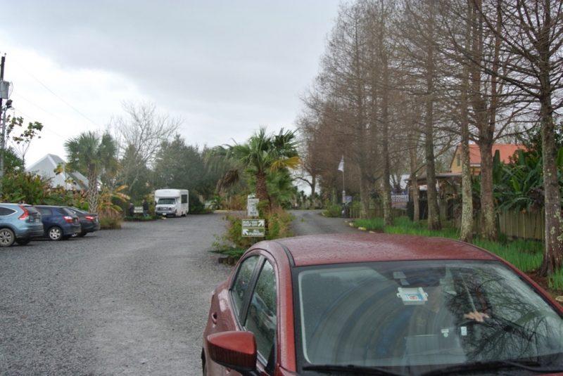 Anfahrt zur Laura Plantation in Louisiana - Parkplatz
