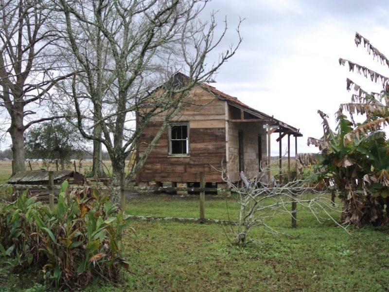 Radtrip durch Louisiana, Sicht auf eine Sklavenkabine von Laura Plantation o