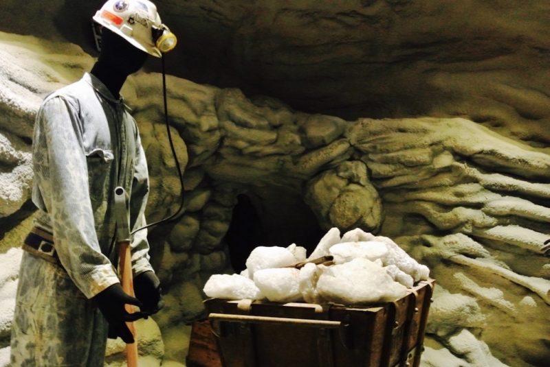 Arbeiter im Salzstock