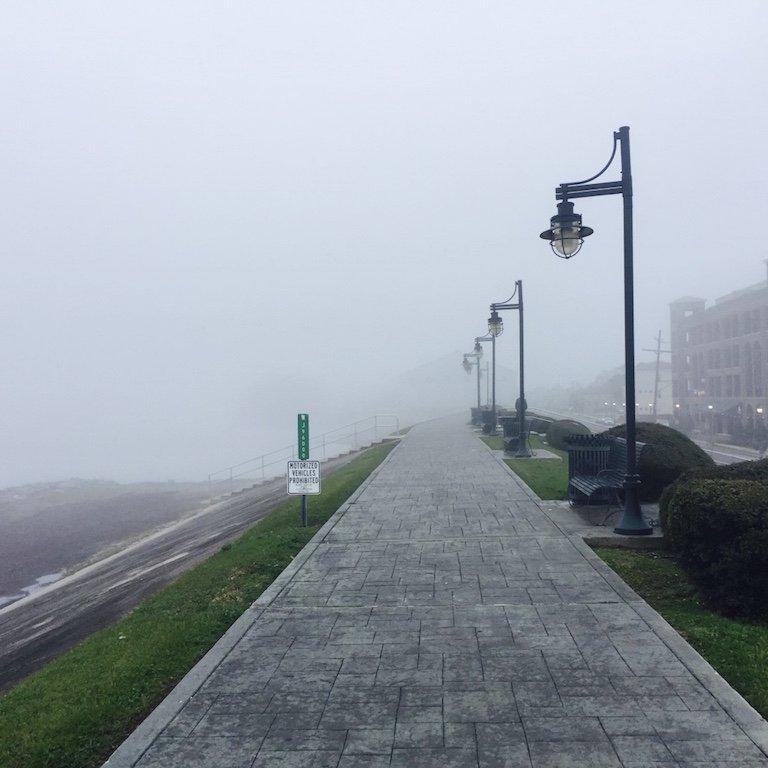 Gretna Town, am Mississippi spazieren gehen, im Nebel