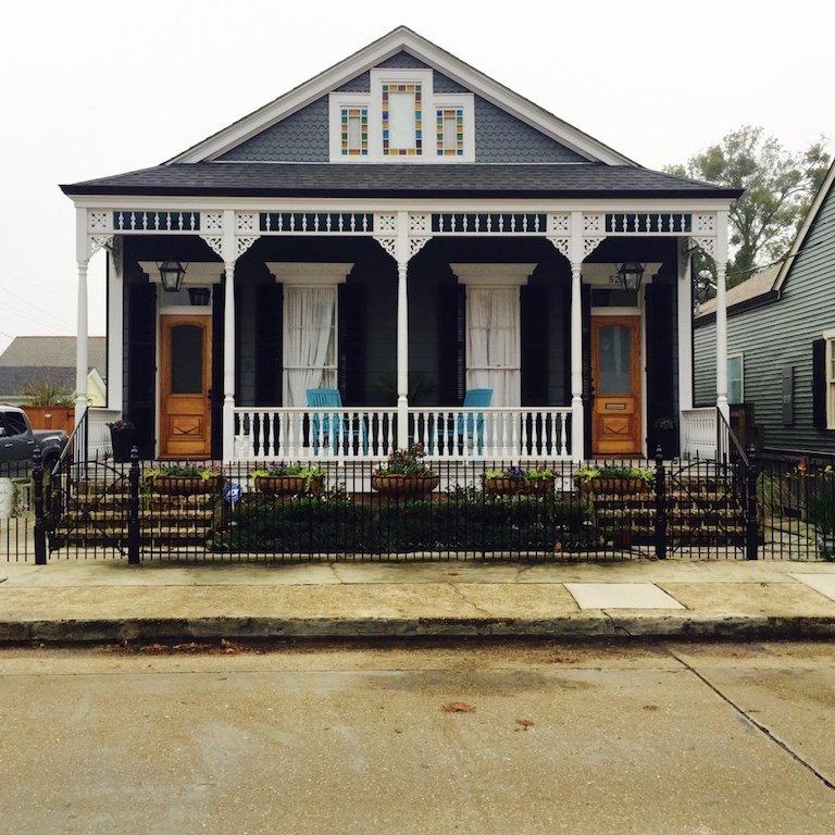 Gretna Town in Louisiana, typisches Gun Shot Haus in der Stadt