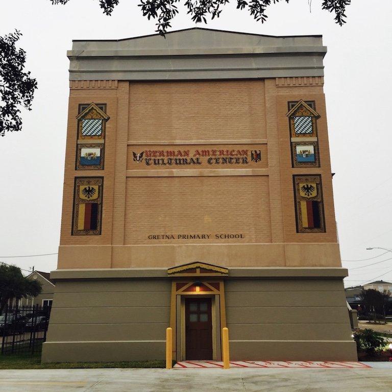 Gretna Town in Louisiana, Gebaeude in der Stadt, zeigt das deutsch-amerikanische Kulturzentrum