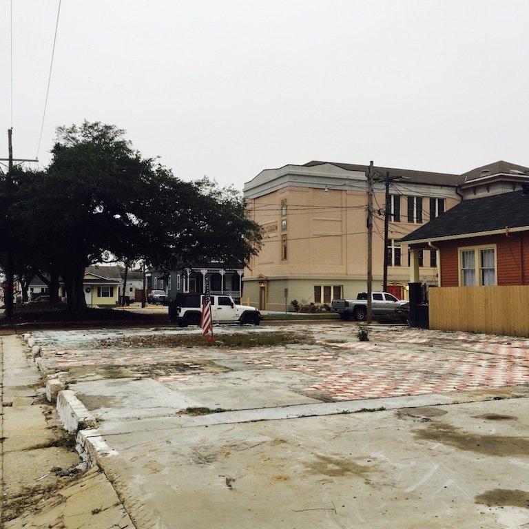Gretna Town in Louisiana, Reste eines abgebrannten Gebaeude in der Stadt