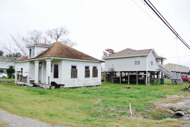 Louisiana, Hauer um Lafitte in nicht gutem Zustand, anderes auf Stelzen