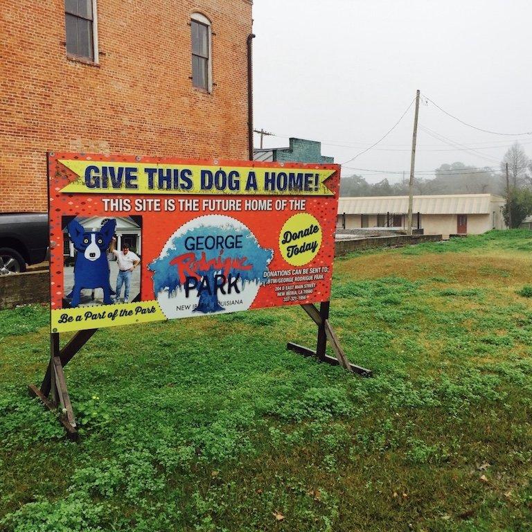 In Louisiana, Schild vom blauen Hund in New Iberia zu sehen