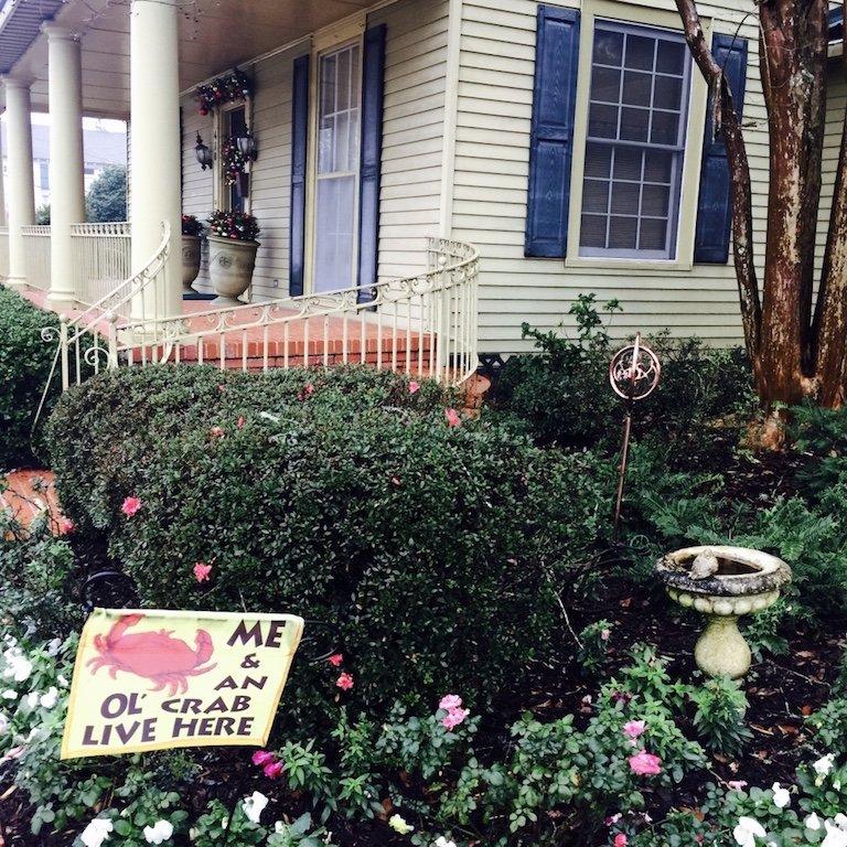 Roadtrip durch Louisiana, In St. Martinville, Sicht auf Fassade und Vorgarten
