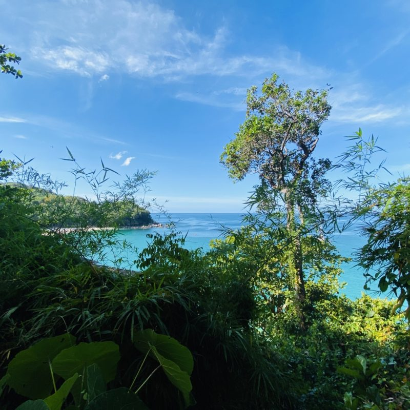 Phuket auf eigene Faust - eine Kreuzfahrt in Südostasien. Bucht der Freedom Beach.