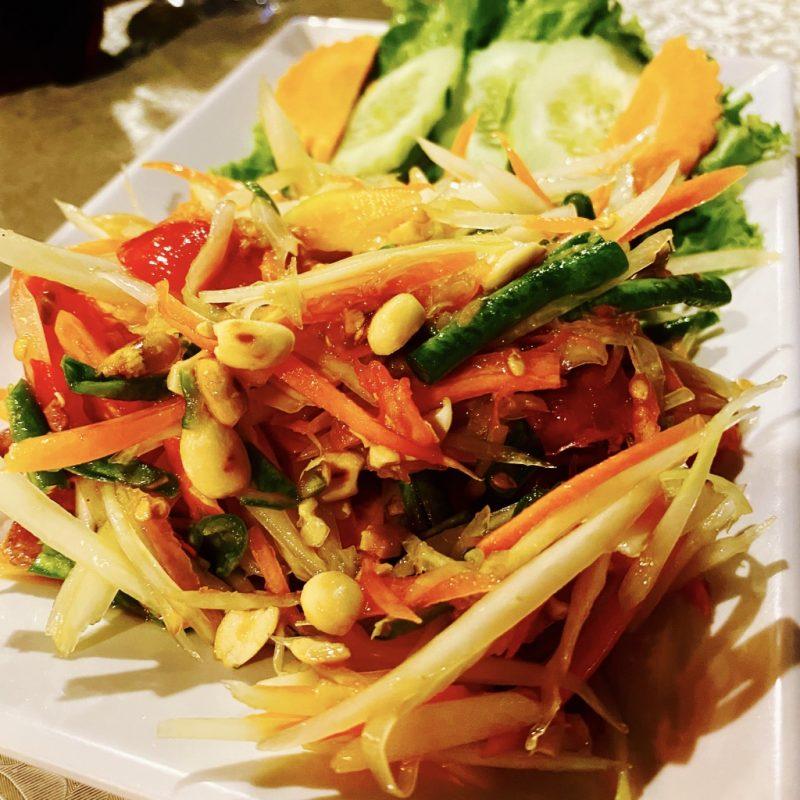 Phuket auf eigene Faust - eine Kreuzfahrt in Südostasien. Unterwegs in Patong Beach und Pad Thai essen.