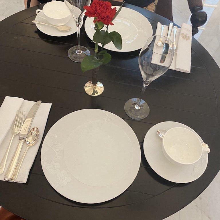 Raffles Afternoon Tee - Tisch
