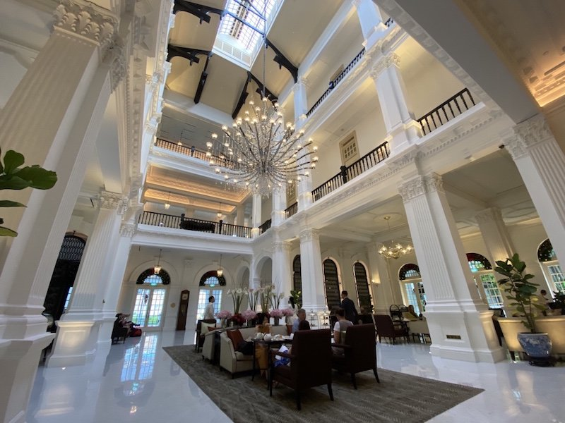 Raffles Hotel - Main Hall und Lobby