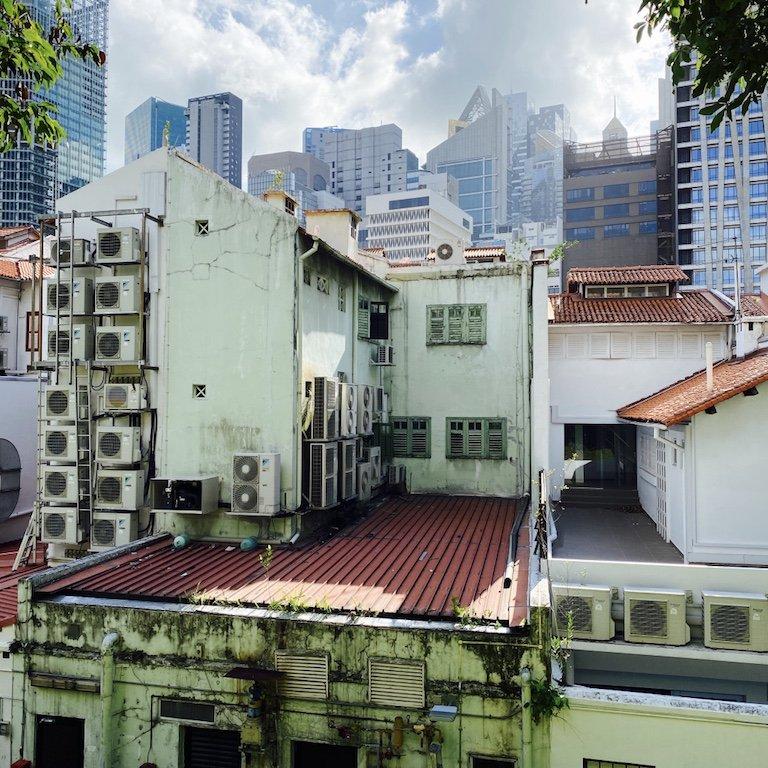 Blick vom Ann Siang Hill Park auf die Haeuser von Singapur