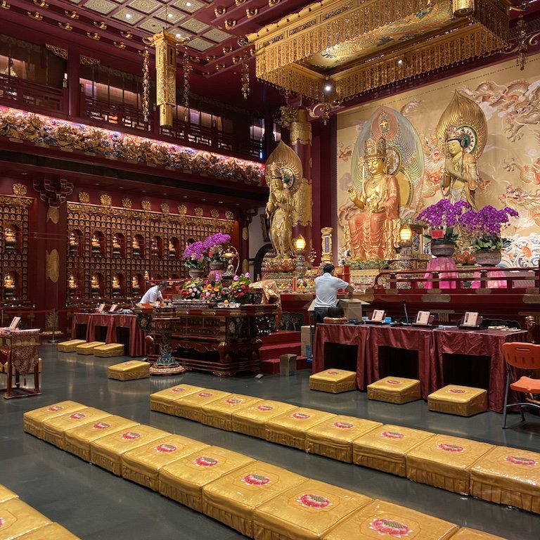 Altar des Buddha Relic Temple in Chinatown in Singapur