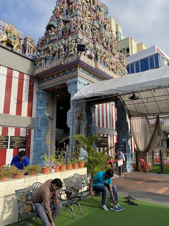 Eingang und Fassade des Veerama Kaliamman Tempel