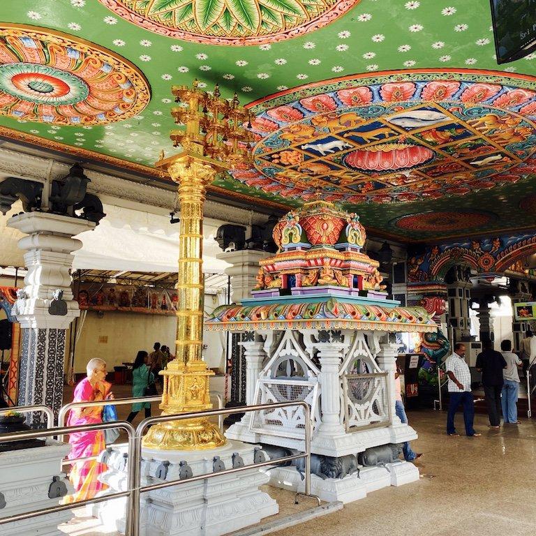 Im Inneren des Sri Srinivasa Perumal Tempel