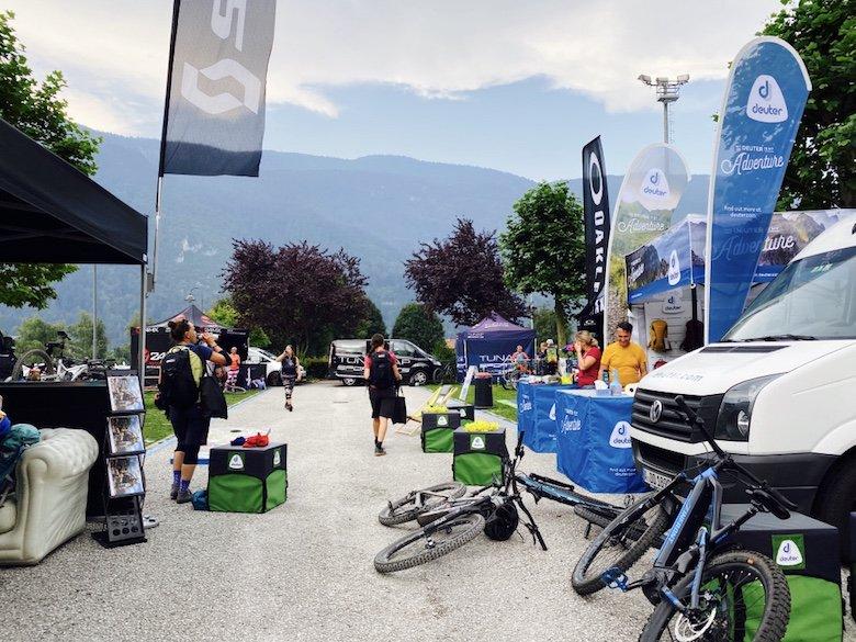 Szene im Bike Camp am Molveno See im Trentino