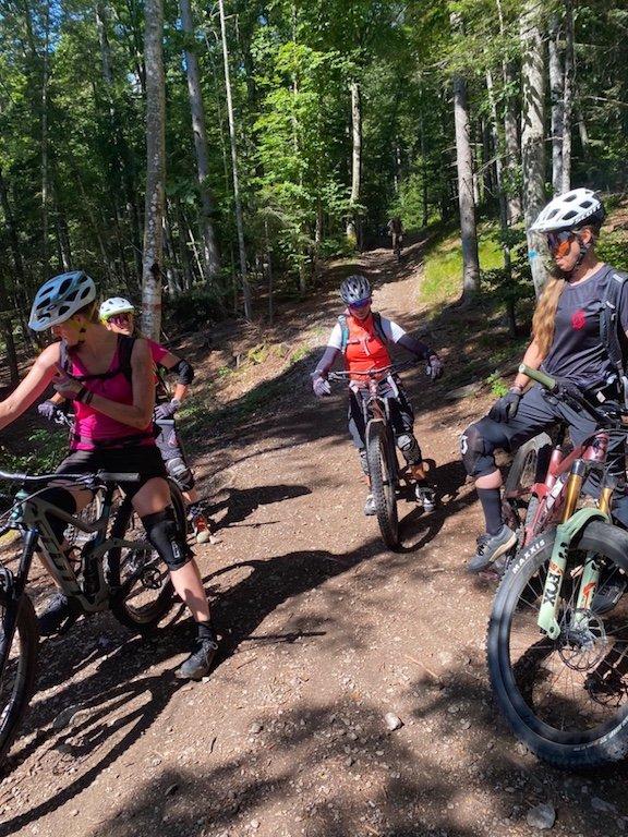 Bike Women Camp 2020 Teilnehmerinnen auf den Trails