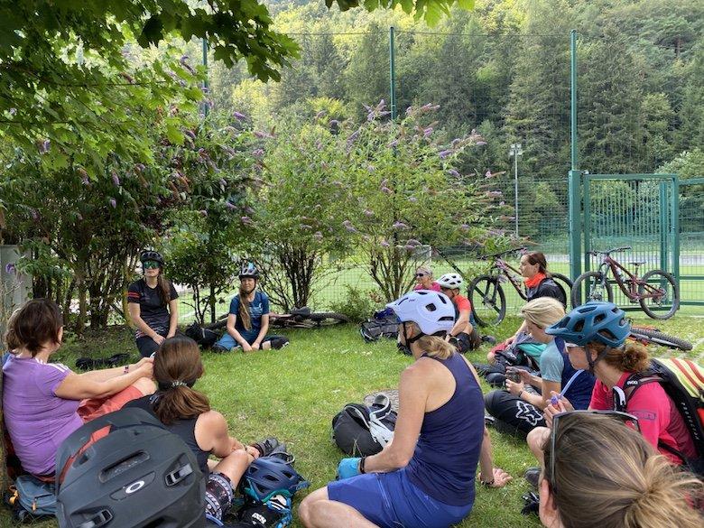 Bike Women Camp 2020 Teilnehmerinnen bei der Begrüßung