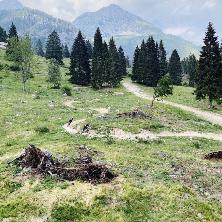 Blick auf Brenta Dolomiten und Flow Line