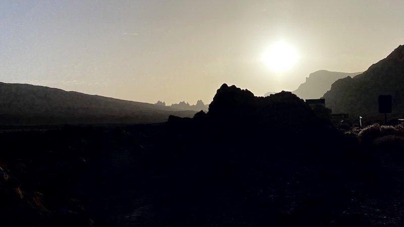 Sonnenaufgang in der Canadas del Teide auf Teneriffa