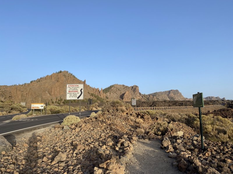 Strasse TF-21 im Teide Nationalpark