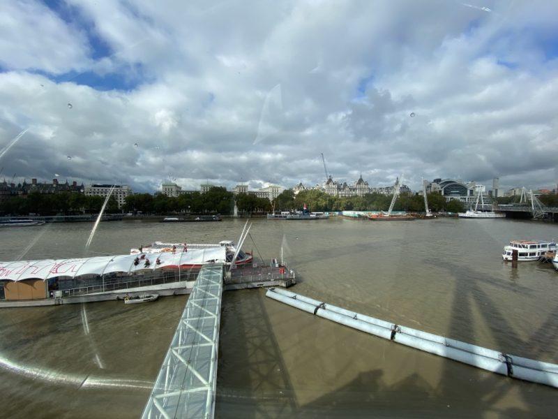 Blick aus London Eye Riesenrad Kapsel auf Themse