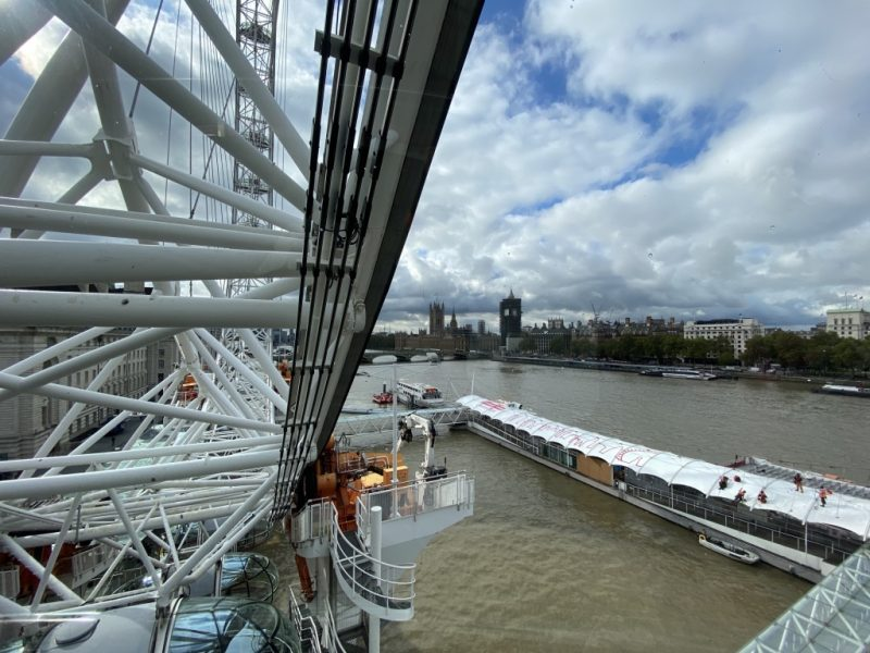 Blick von London Eye Riesenrad auf Themse