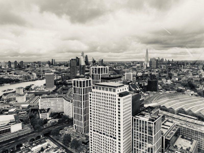 Blick von London Eye Riesenrad auf The Shard