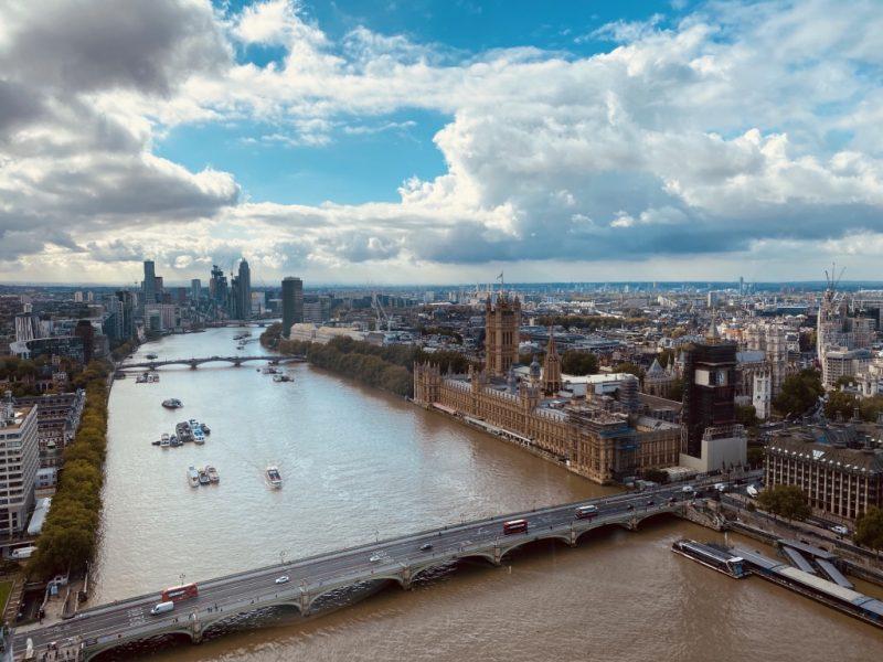 Blick von London Eye Riesenrad auf Parlament und Big Ben