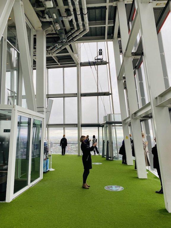 Blick von View of the Shard auf Etage 72 über London