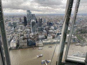 Blick vom The Shard Hochhaus auf London und Walkie Talkie