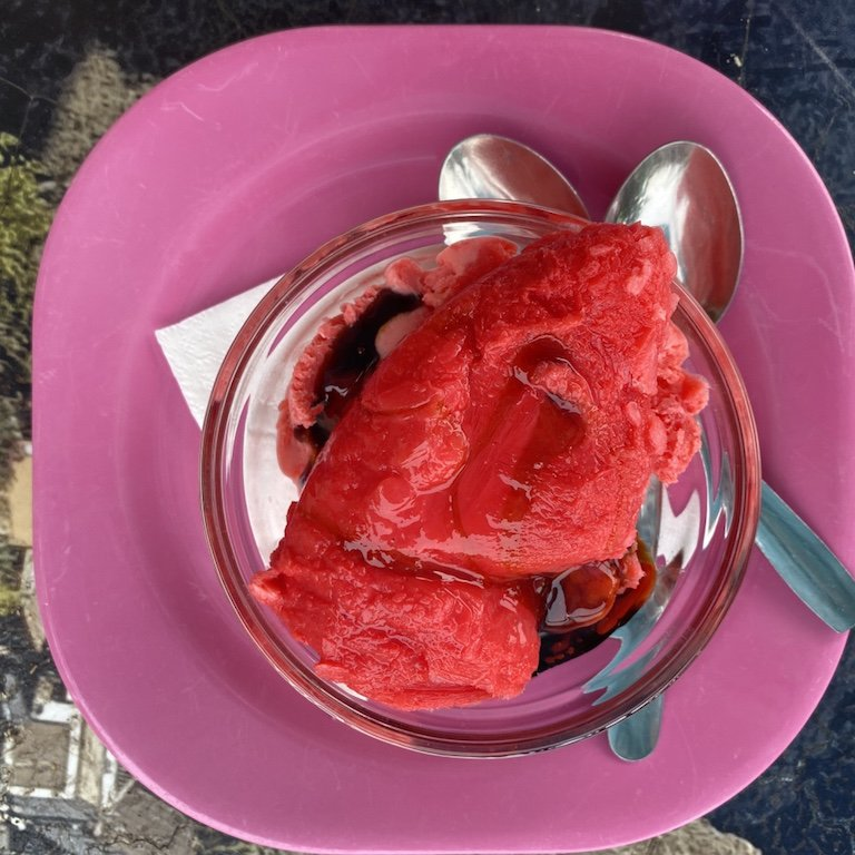 Rotes Eis