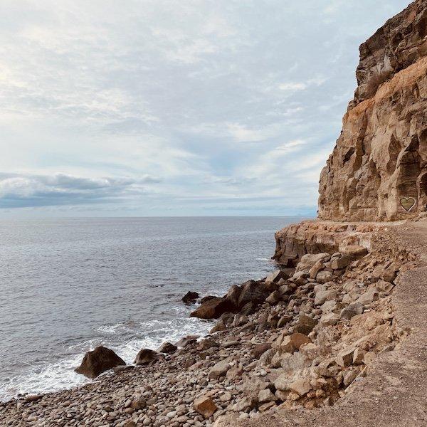 Felsen bei Puerto de Mogan auf Gran Canaria