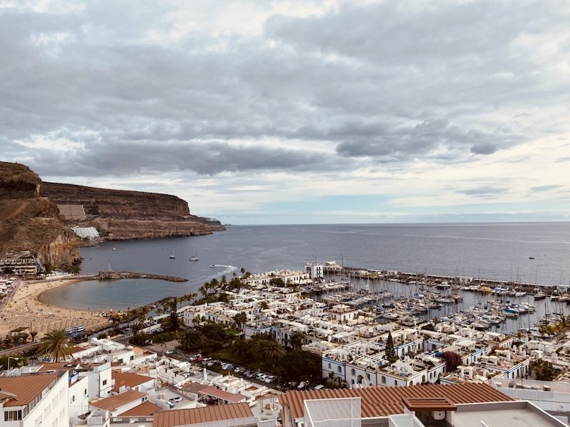Sicht vom Mirardor im Ort Puerto de Mogan