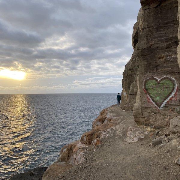 Felsen und Herz bei Puerto de Mogan auf Gran Canaria